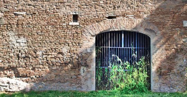 Mausoleo di Campo Barbarico. Progetti
